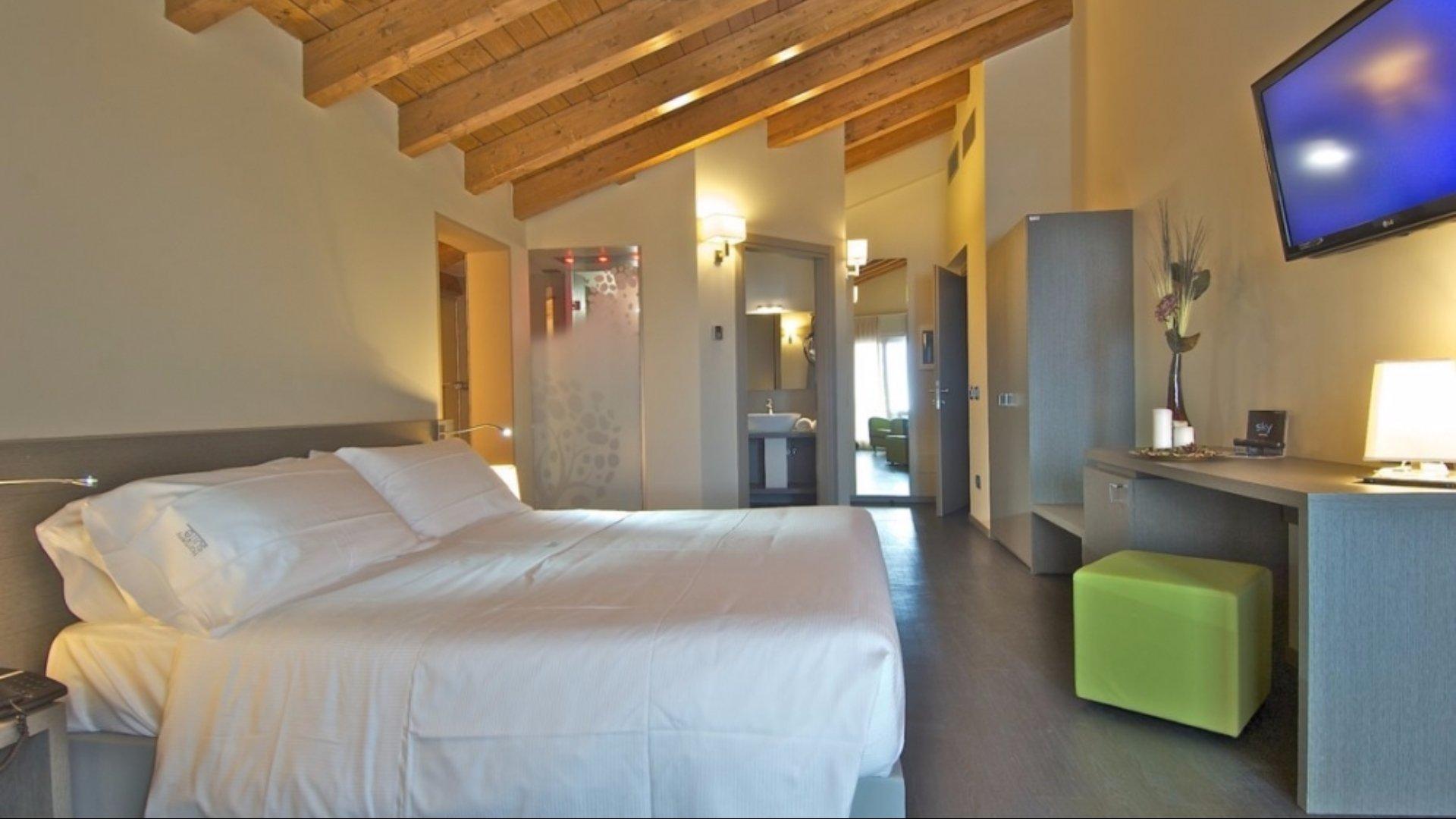Harmony Suite Hotel**** 2
