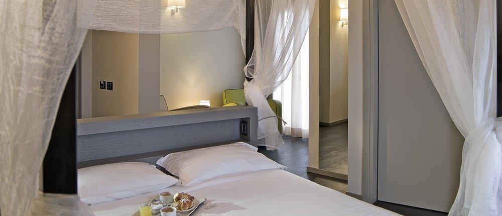 Harmony Suite Hotel**** 6