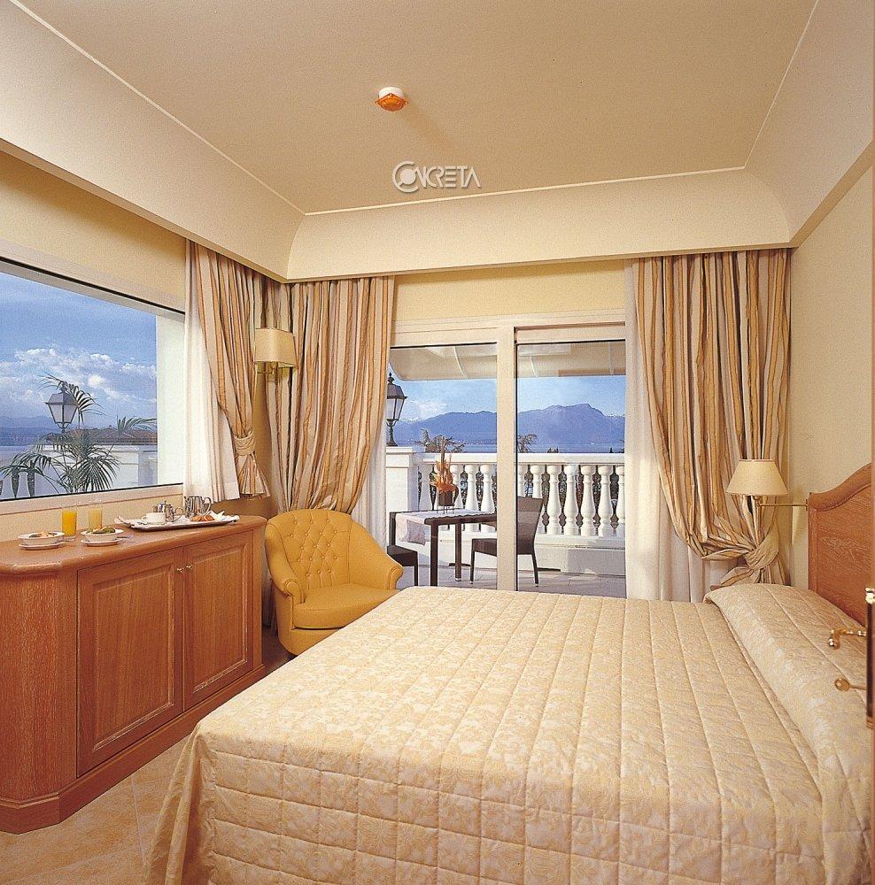 Palace Hotel**** 5
