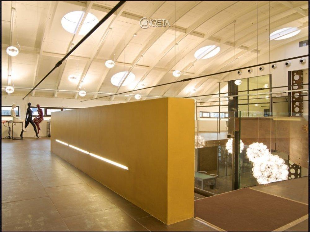 on sale 28d8f 00840 Contract Sari Spazio - Milano