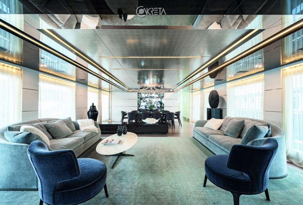 Luxury yacht 420 1