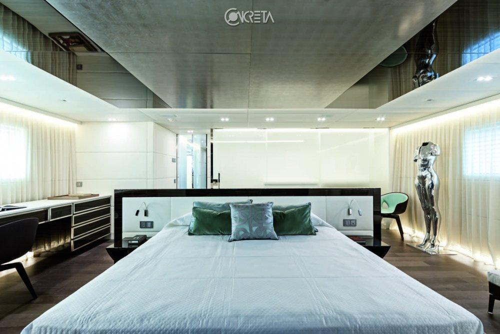 Luxury yacht 420 3