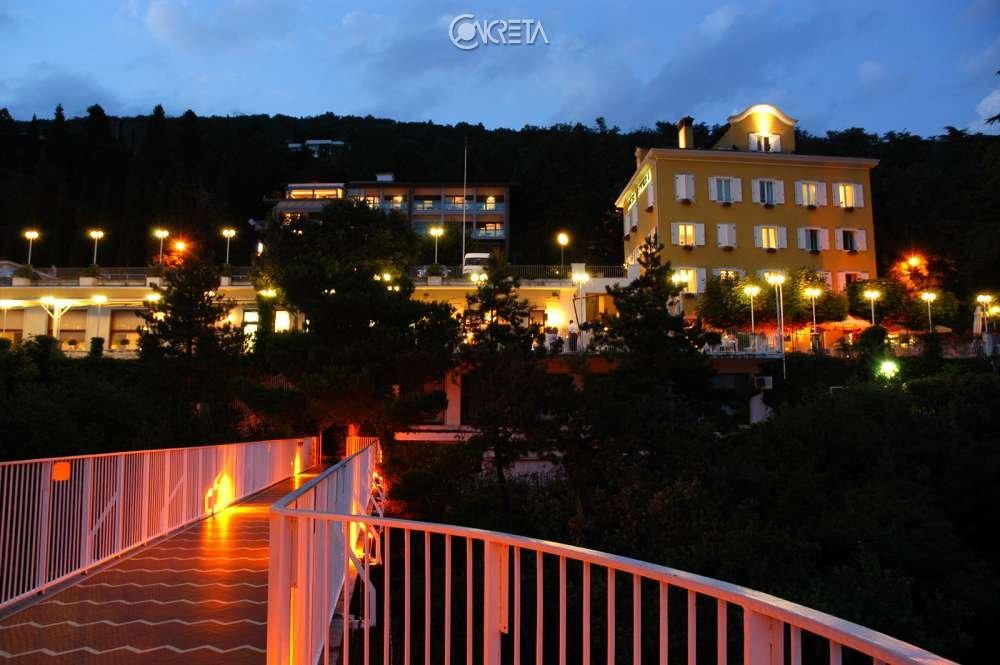 Riviera & Maximilian's Hotel & Spa**** 1