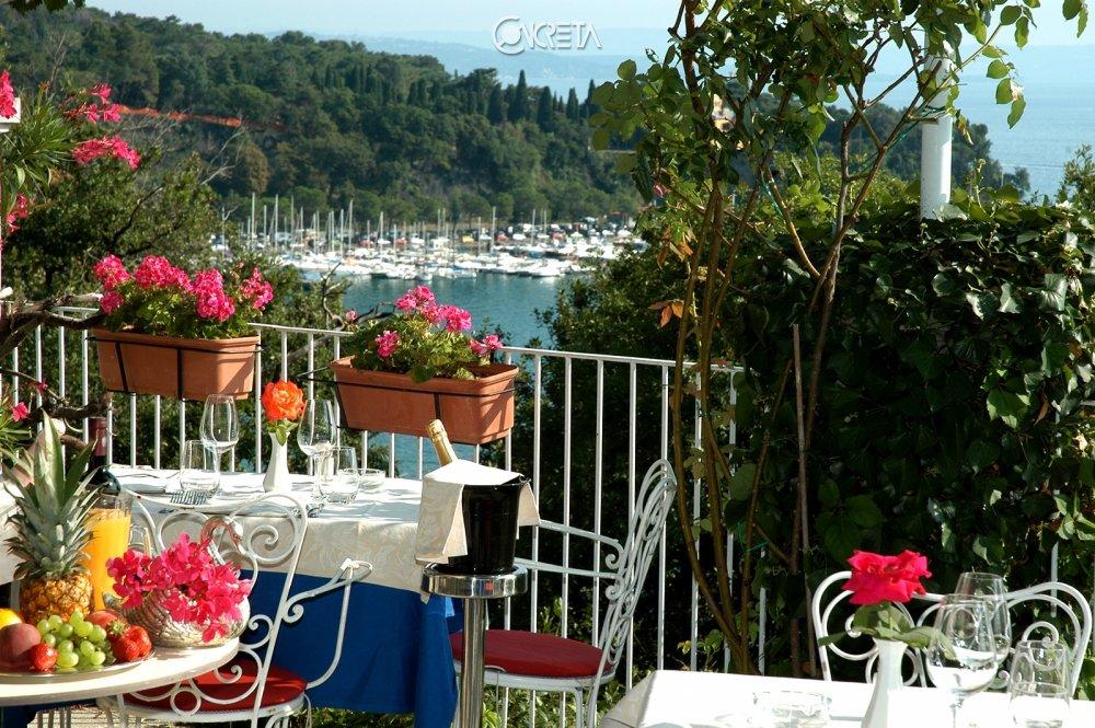 Riviera & Maximilian's Hotel & Spa**** 2