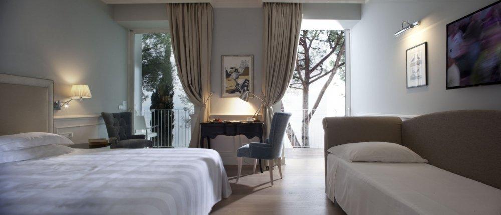 Riviera & Maximilian's Hotel & Spa**** 9