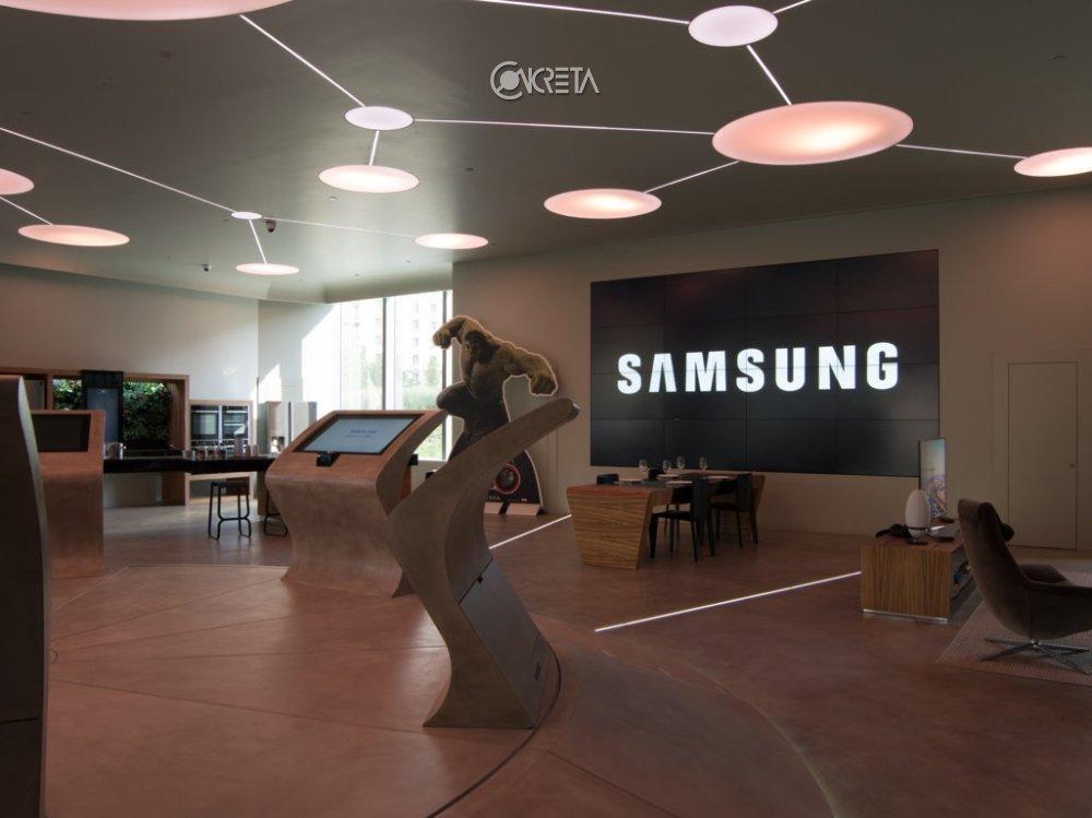 Samsung District 2