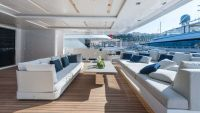 Luxury yacht 419 1