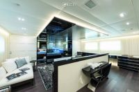 Luxury yacht 420 2