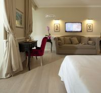 Riviera & Maximilian's Hotel & Spa**** 7